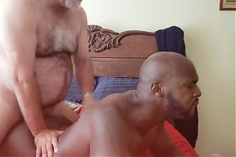 HOT BLACK BOTTOM WANTED DADDYS COCK